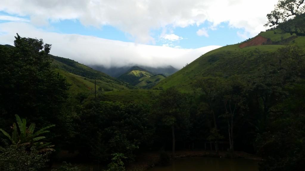 Vista da RPPN Fazenda Catadupa para a Serra da Bocaina